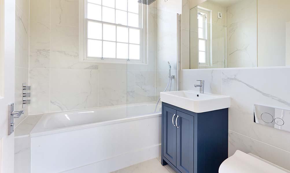 Patrick Gardner Shearburn Lodge bathroom