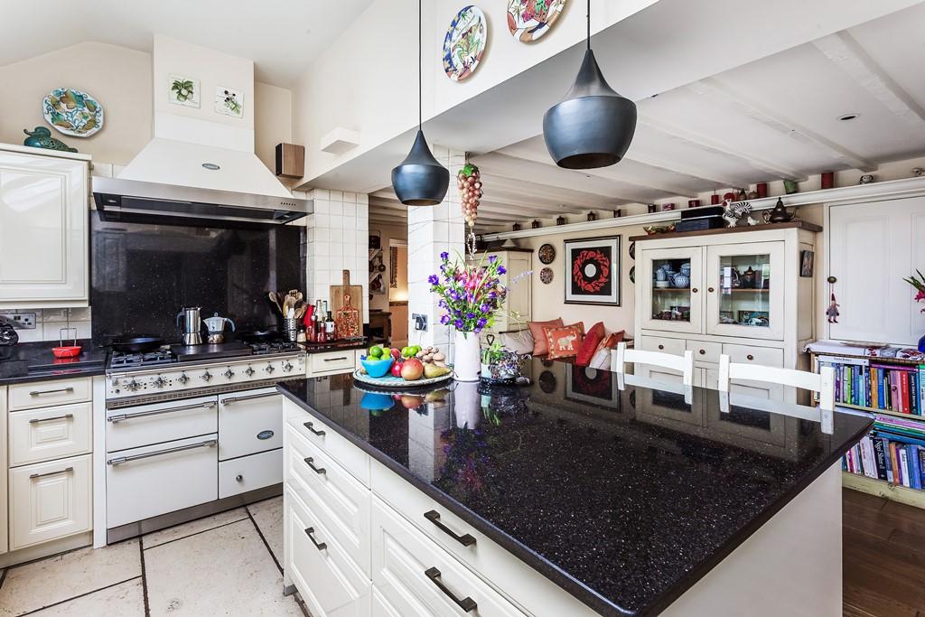 Patrick Gardner Old-Court - kitchen